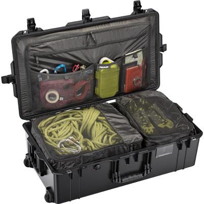 pelican 1615 black travel compartment case