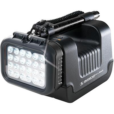 pelican 9430sl led work industrial spot light lumens