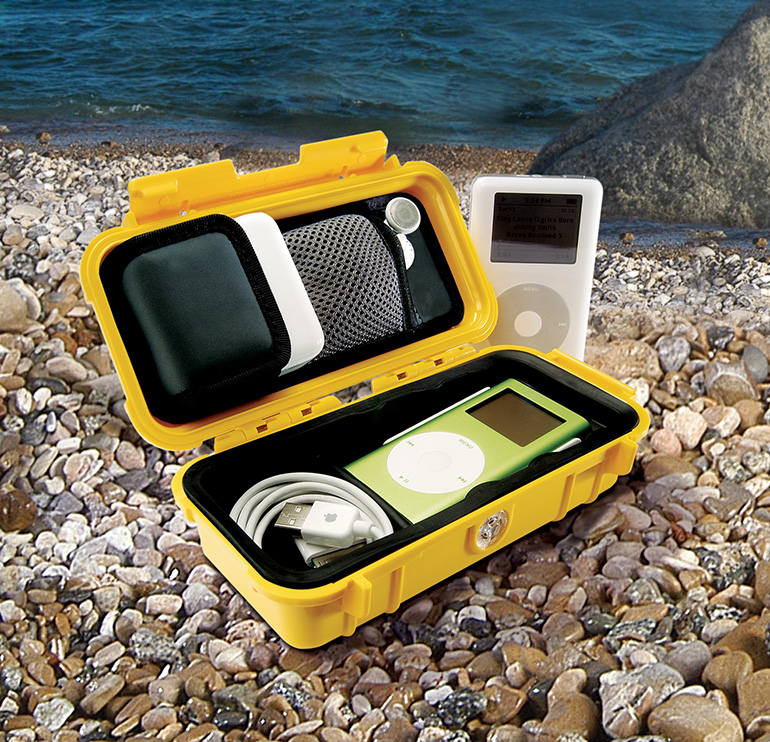 pelican-1030-micro-case-apple-beach-waterproof