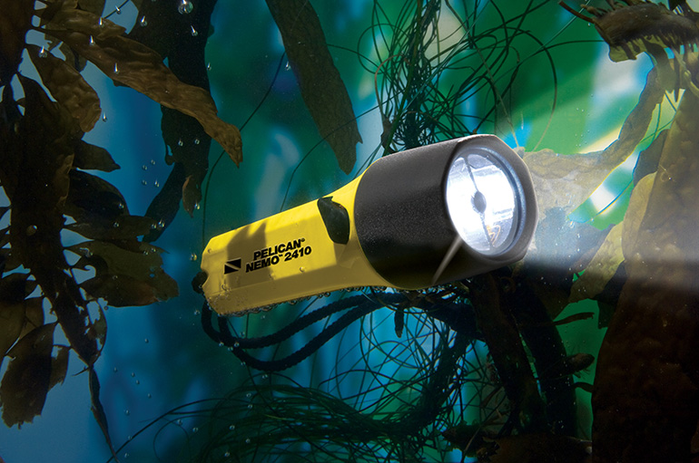 pelican-flashlight-dive-light-nemo-series-2410
