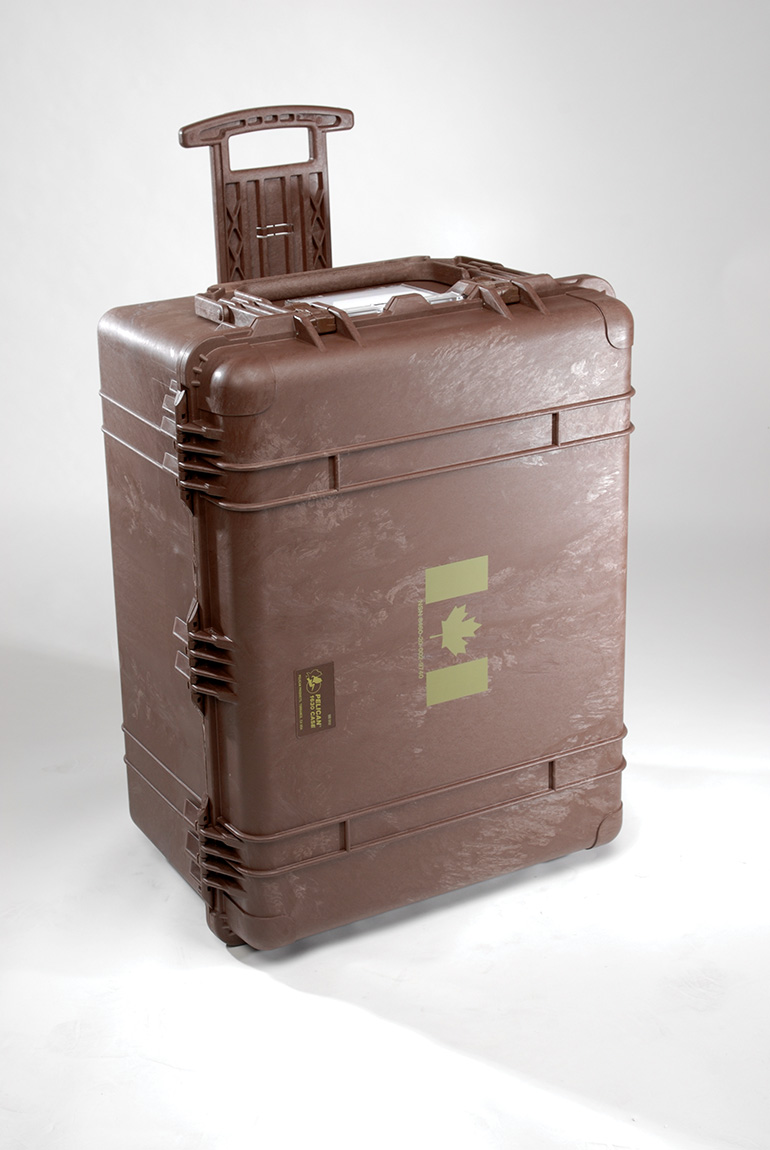 pelican-transport-cases-military-equipment-1630-mob.jpg