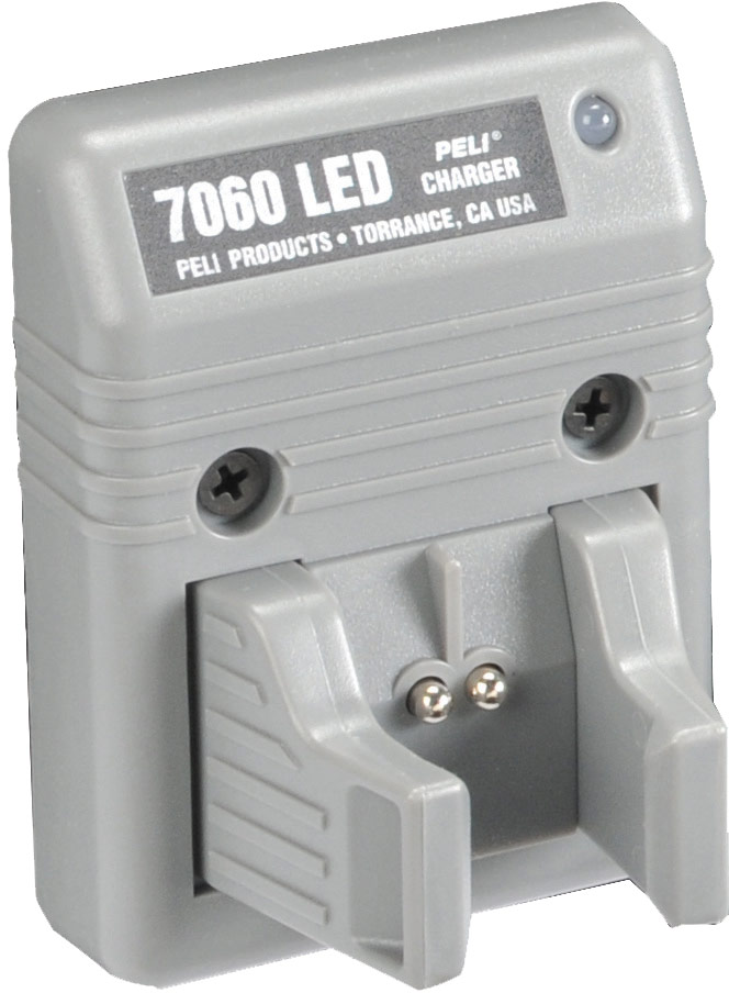 peli 7070 deck dash flashlight charger