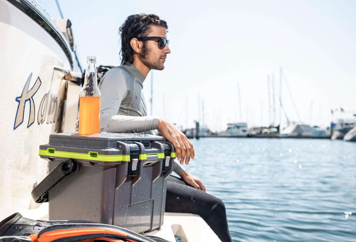 pelican beach scuba boat dive cooler