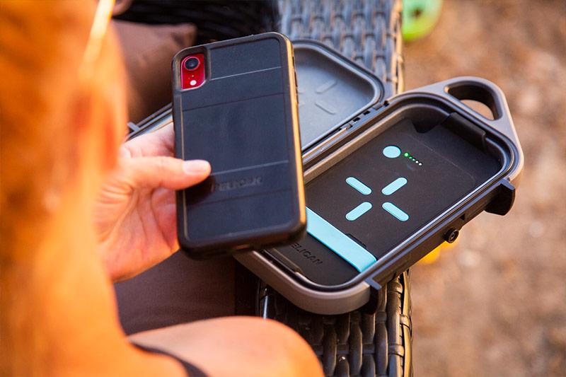 pelican iphone g40 charging hard case