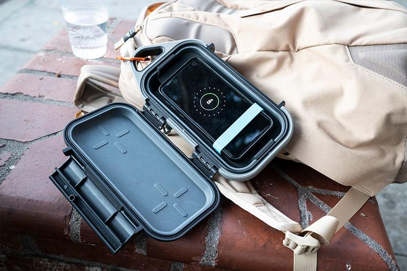 pelican wireless charging go phone case