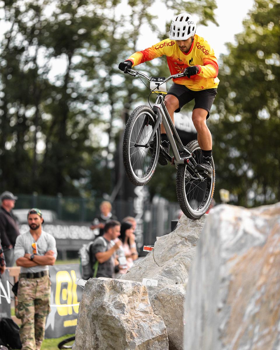 peli pro team pol tarres bike