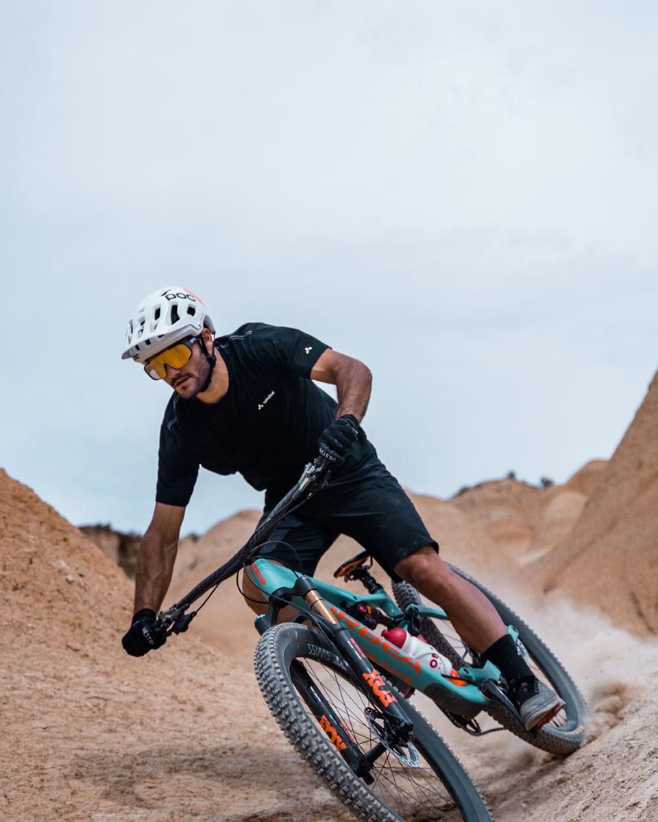 peli pro team pol tarres mountain bike