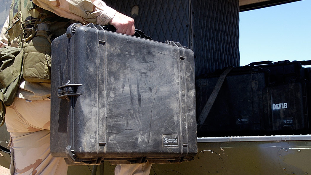 pelican 1600 army weapon survival case
