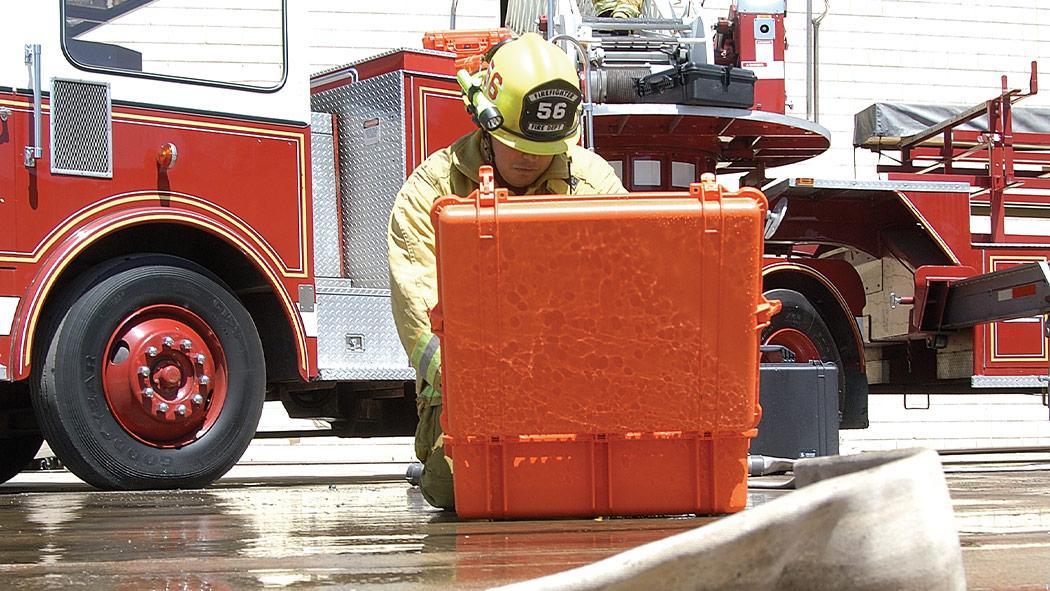 pelican 1600ems emergency aid case