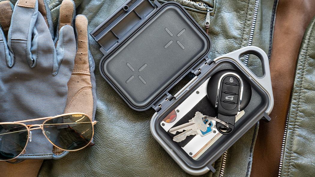 pelican g10 small go car key id case