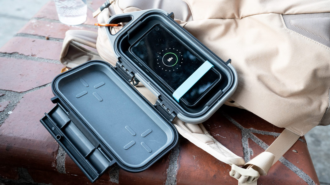 pelican g40c go charge phone case