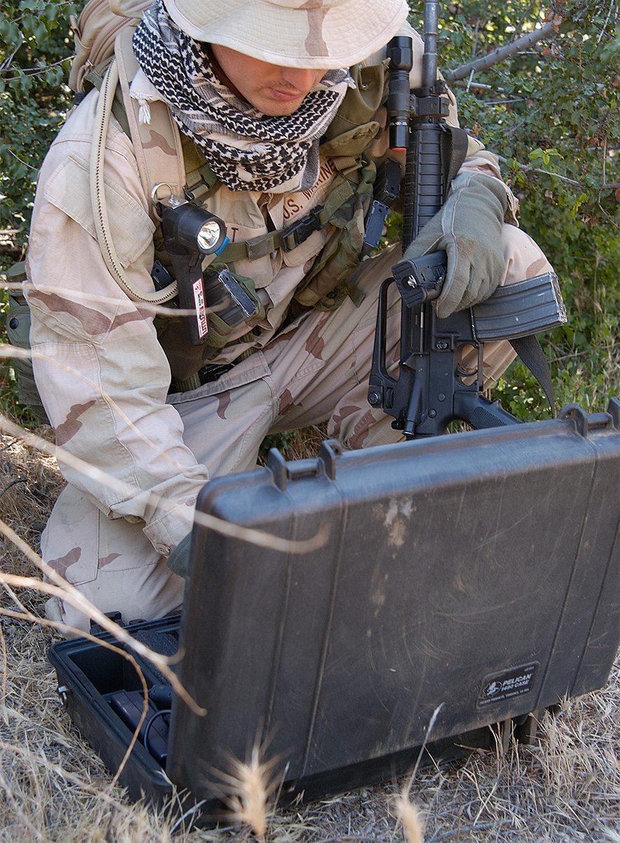 pelican 1490 hard military laptop strong case