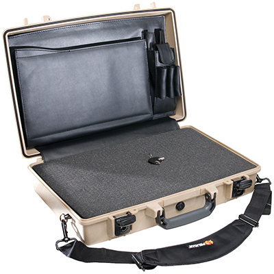 pelican 1490cc2 crush dust proof laptop hardcase