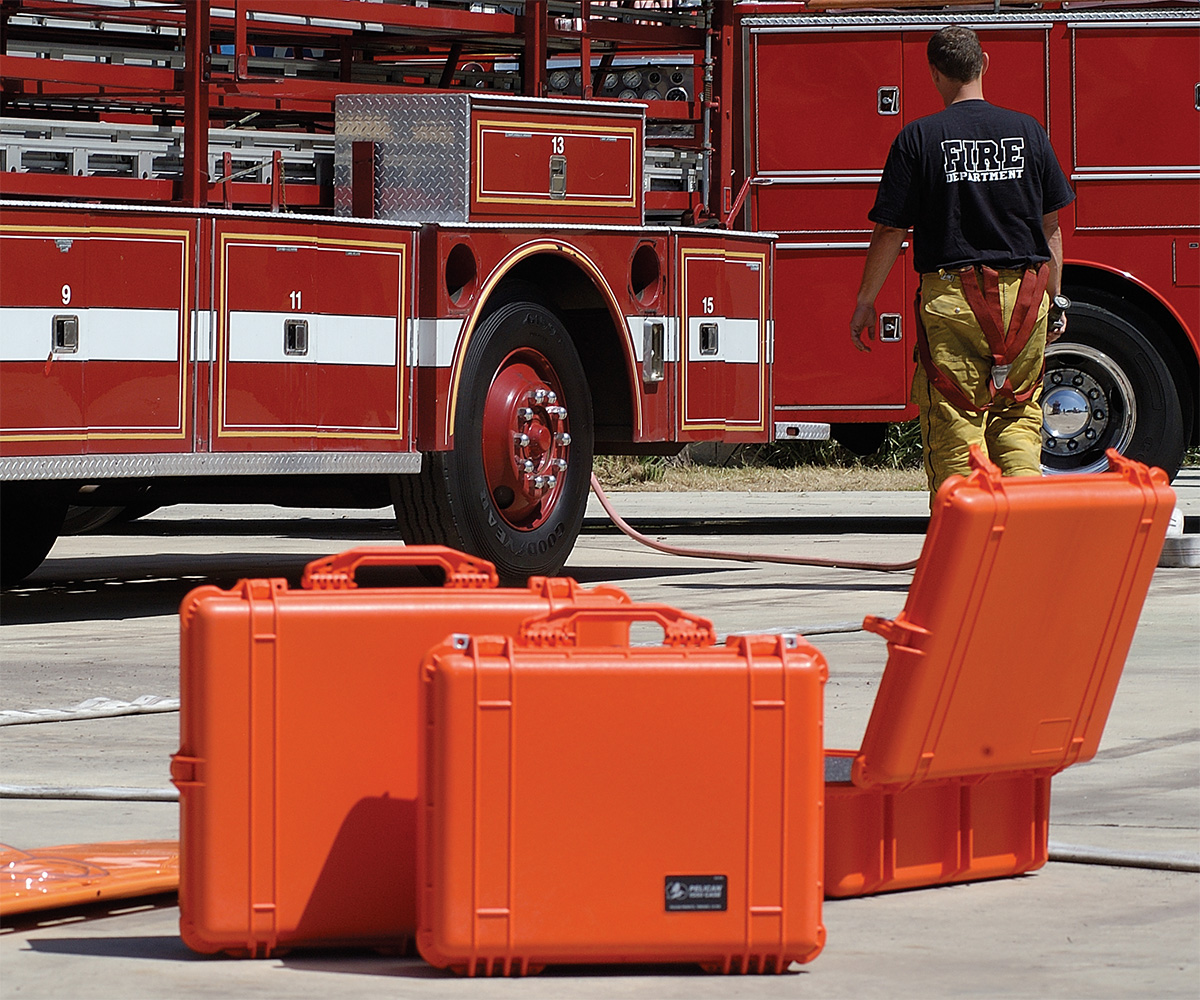 pelican peli products 1550 1600 fire rescue hard cases