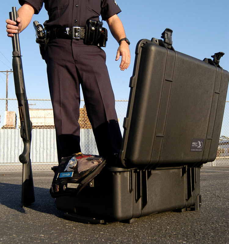 pelican 1560 rolling police military case pelicase