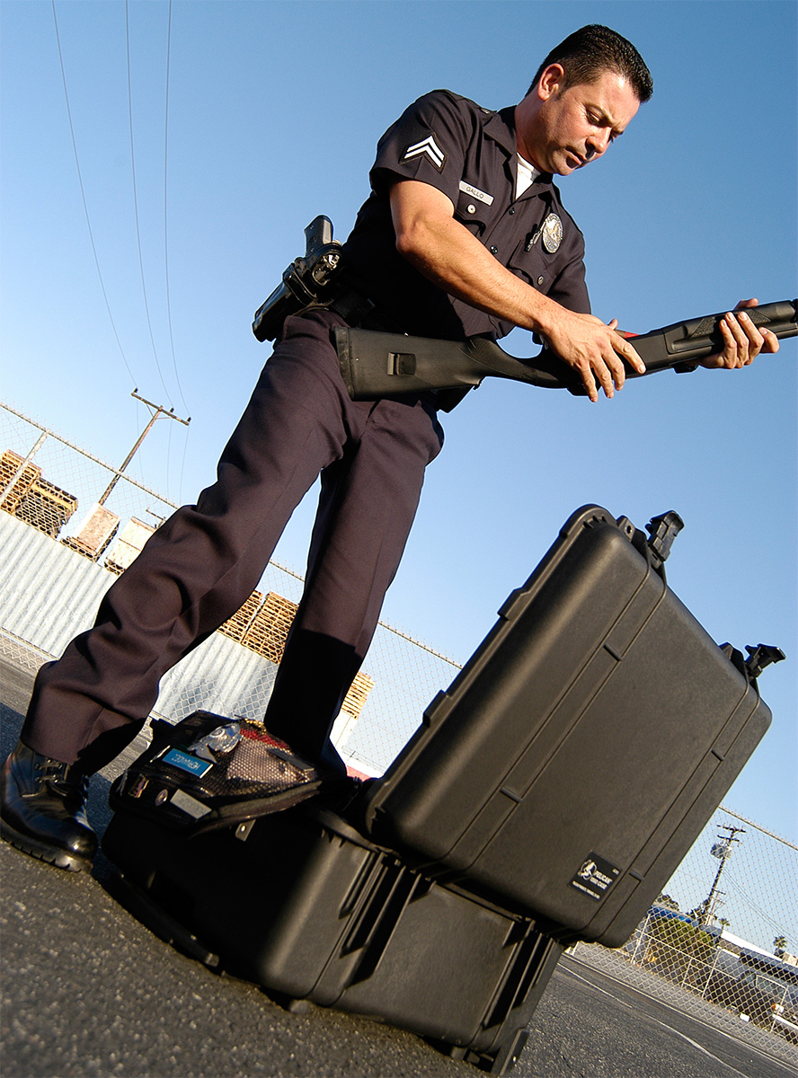 pelican peli products 1560 tactical police weapon hardcases