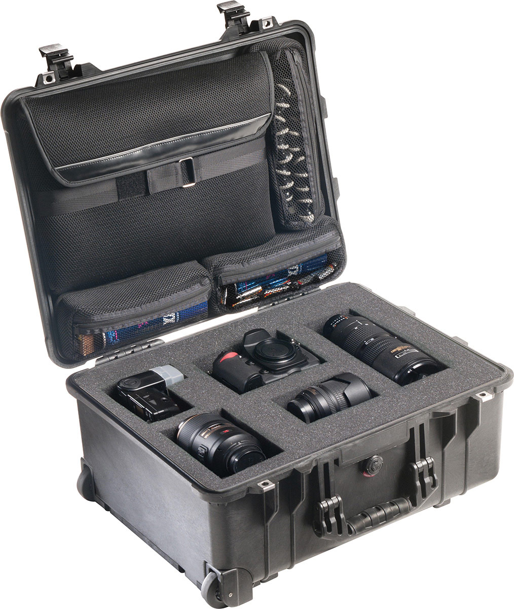 pelican 1560lfc tough rolling protographer hard case