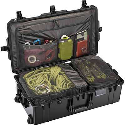 peli 1615 black travel compartment case