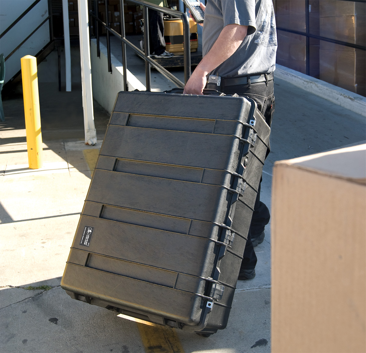 pelican peli products 1730 rolling transport hard cases