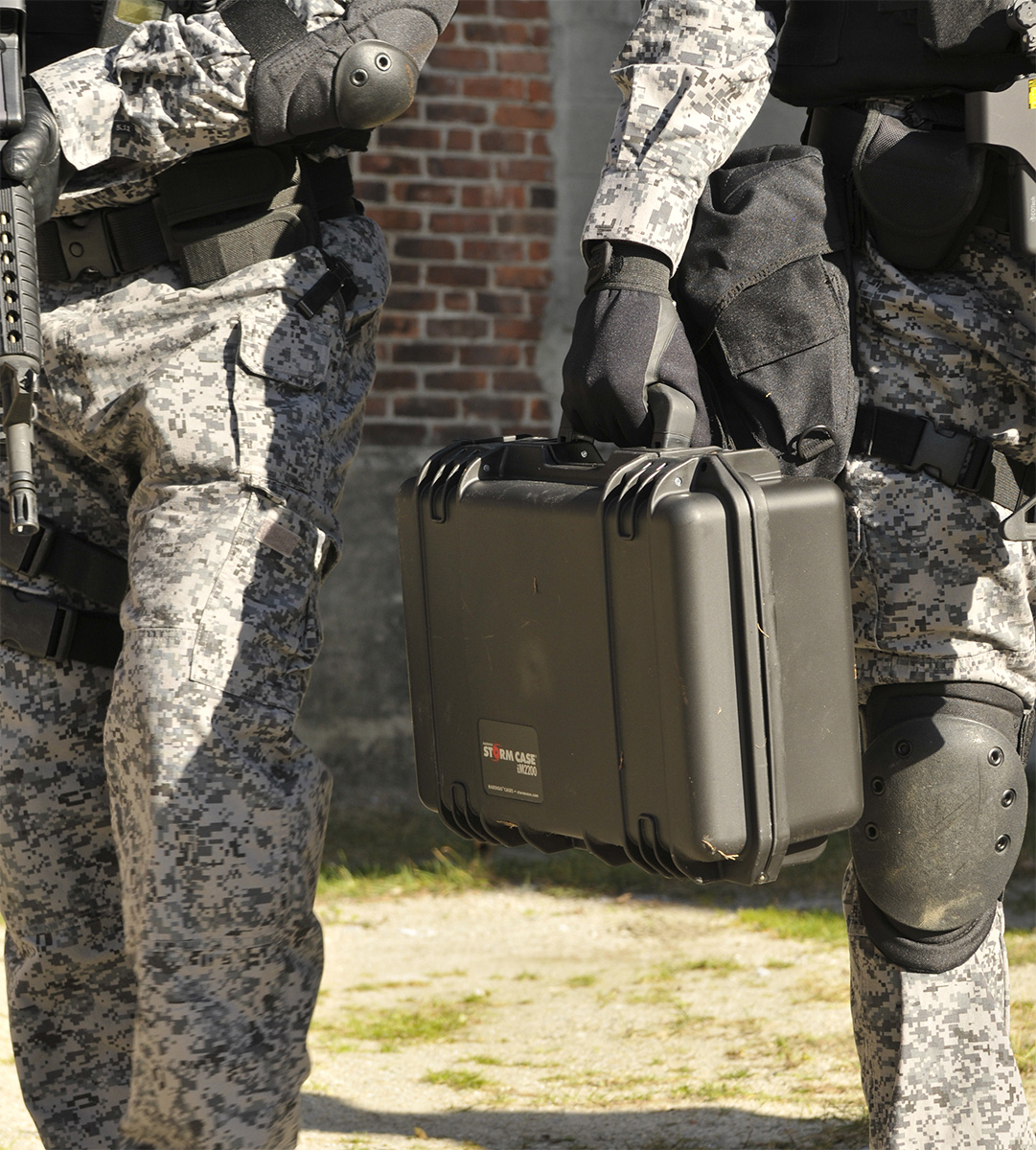buy pelican storm im2200 shop swat tactical gear hardcase