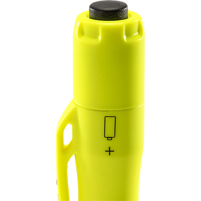 pelican 1975 battery flashlight