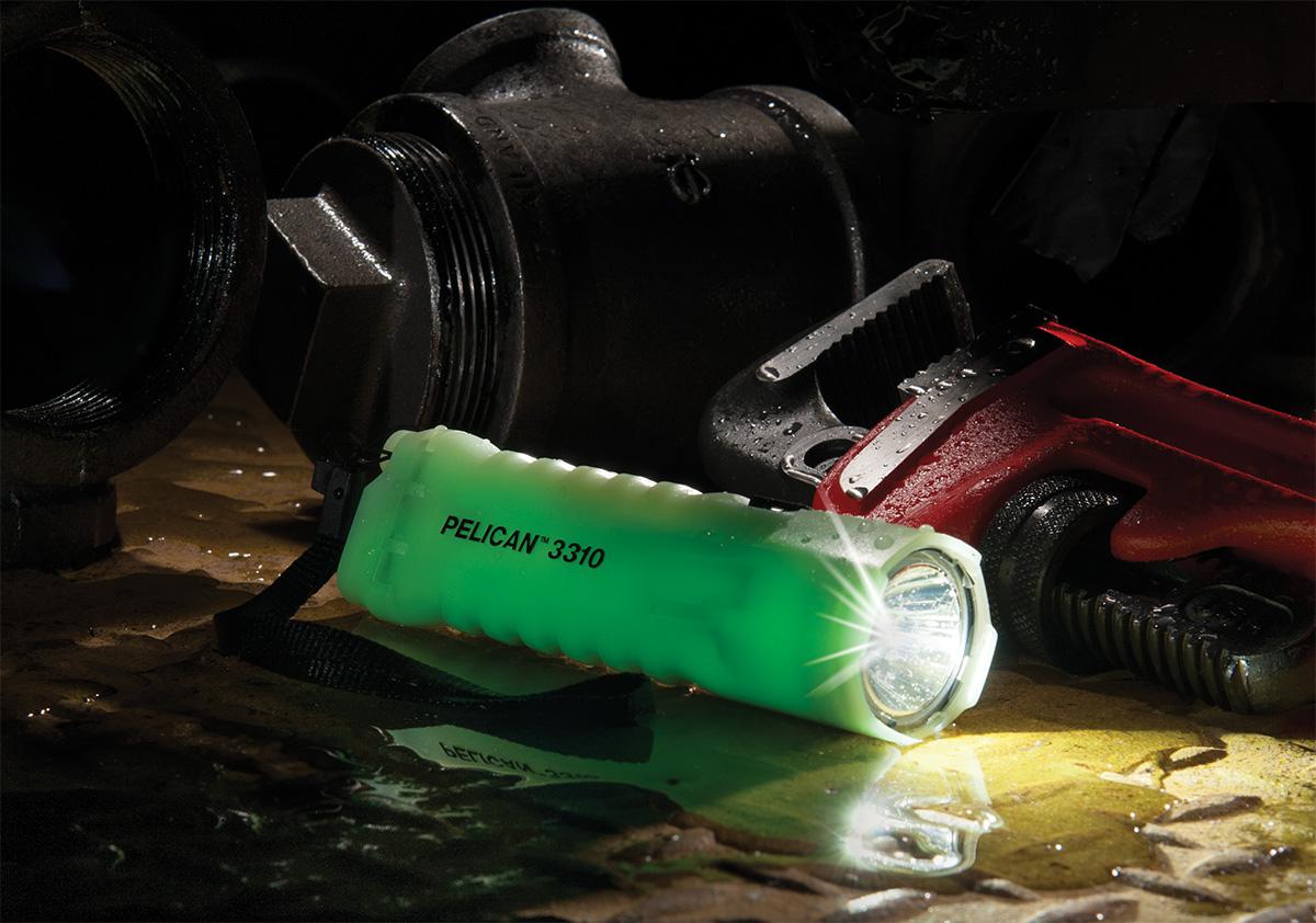 pelican 3310pl plumbing waterpproof flashlight