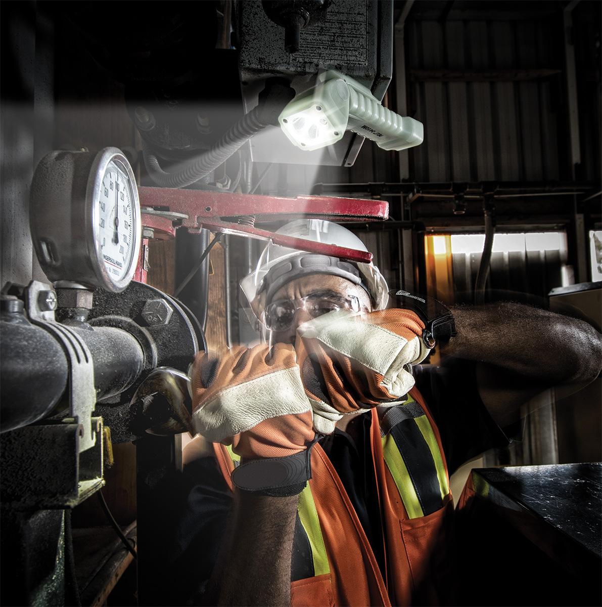 peli 3410m industrial torch magnetic led