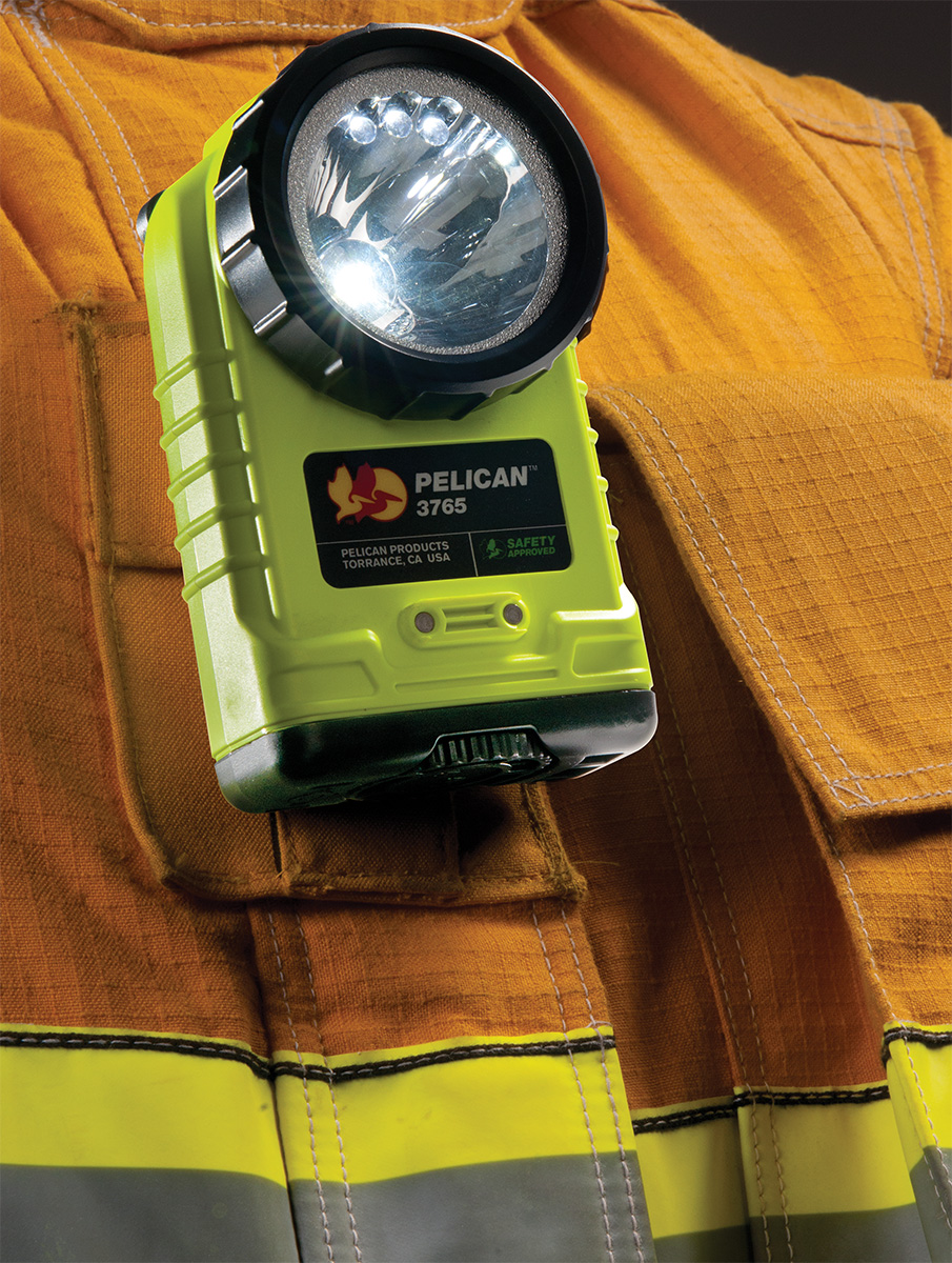 pelican 3765 fire fighter clip led safety flashlight