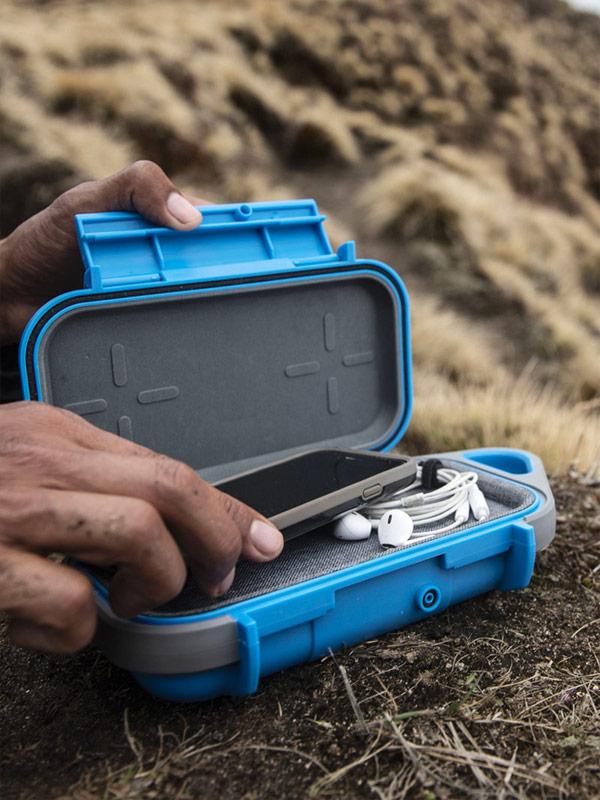 pelican personal utility phone go case